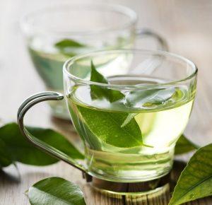 Một cốc trà xanh vào mùa hè thật tuyệt